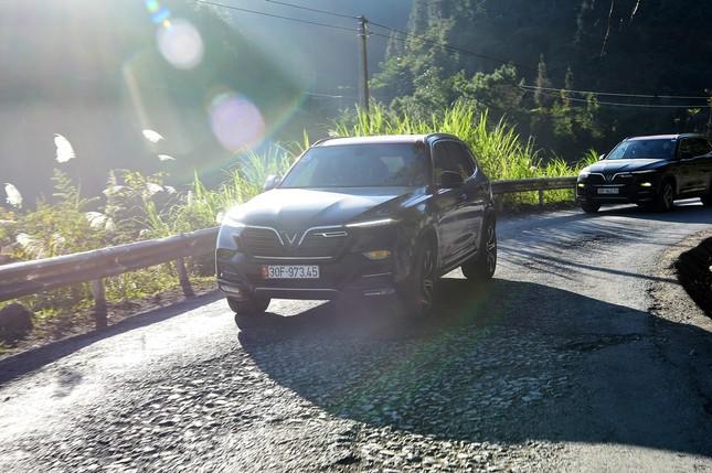 Liên tục xô đổ kỷ lục doanh số, VinFast Lux áp đảo thị phần xe cao cấp ảnh 1