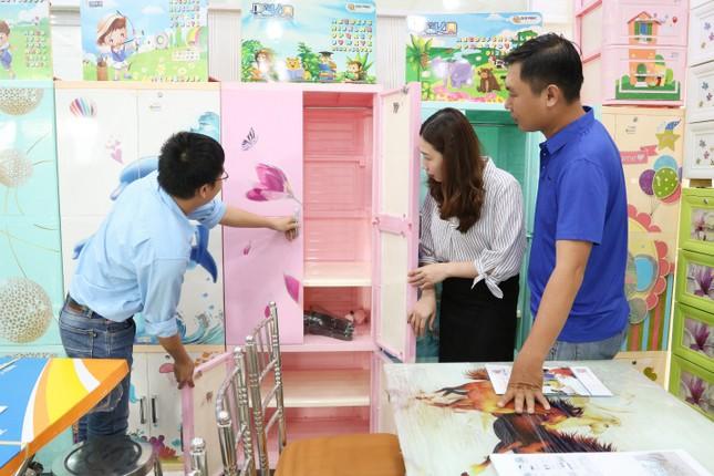 Ngành nội thất inox - nhựa Việt ngày càng được ưa chuộng trong dịp Tết ảnh 1