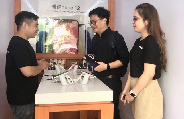 Bất chấp khan hàng, Viettel Store vẫn đảm bảo đủ iPhone 12 Series bán trước Tết nguyên đán ảnh 2