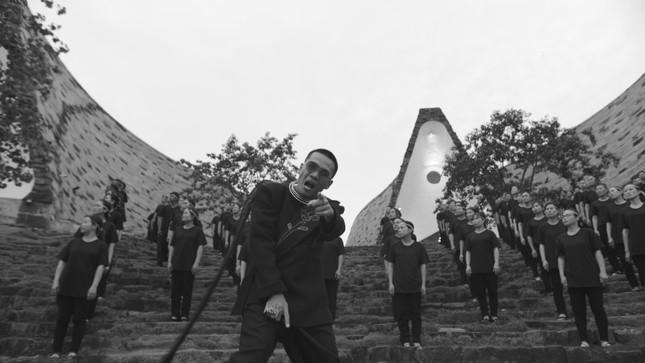 Wowy và MV Hướng Dương truyền động lực cho giới trẻ ảnh 1
