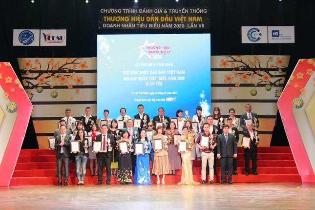 ELLY được tôn vinh Top 100 thương hiệu dẫn đầu Việt Nam 2020 ảnh 1