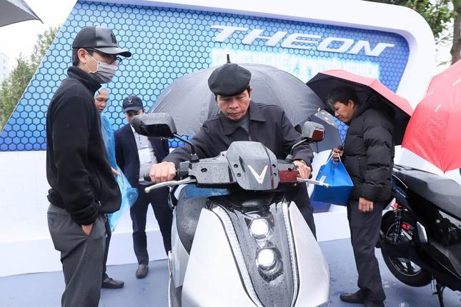 Trang bị đỉnh cao, bộ đôi xe máy điện 'hot' của VinFast sẽ được định giá như thế nào? ảnh 2