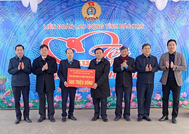 PV GAS tham gia đoàn công tác của Học viện Chính trị Quốc gia Hồ Chí Minh đến Bắc Kạn ảnh 3
