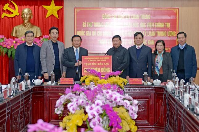 PV GAS tham gia đoàn công tác của Học viện Chính trị Quốc gia Hồ Chí Minh đến Bắc Kạn ảnh 4