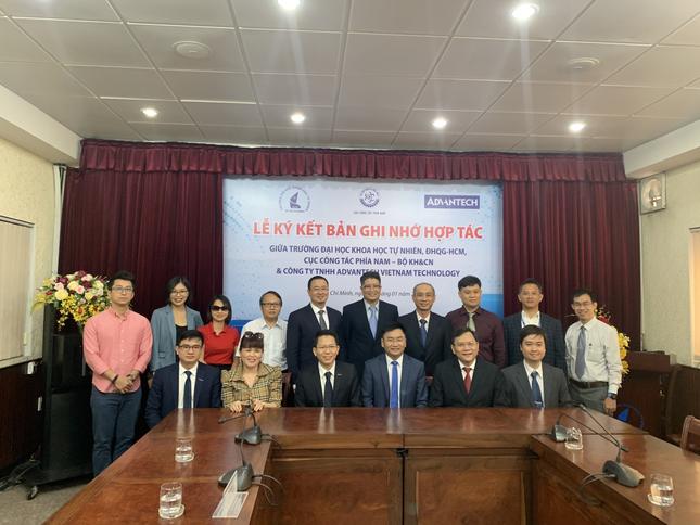 Advantech Việt Nam ký kết hợp tác chương trình WISE-PaaS@Education ảnh 1