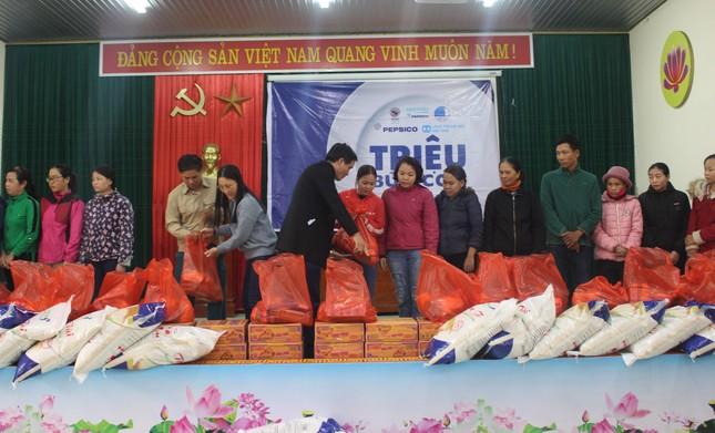 Tết ấm no với 'triệu bữa cơm' hỗ trợ trẻ em chịu ảnh hưởng lũ lụt ảnh 4