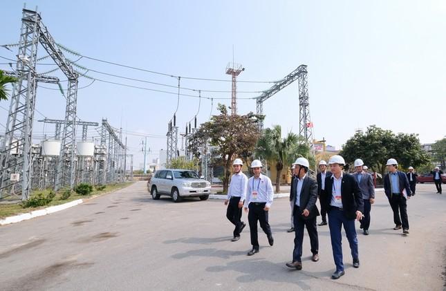 Chủ tịch EVNNPT kiểm tra việc cung cấp điện phục vụ Đại hội Đảng lần thứ XIII ảnh 1