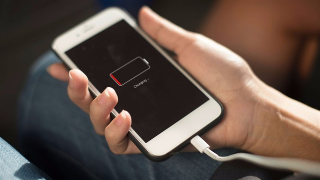 iPhone mới mua có cần sạc 8 tiếng không: Kiến thức cơ bản iFan cần biết ảnh 1