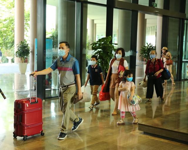 Khách sạn, công ty lữ hành giới thiệu loạt chính sách hỗ trợ đặc biệt cho du khách ảnh 1