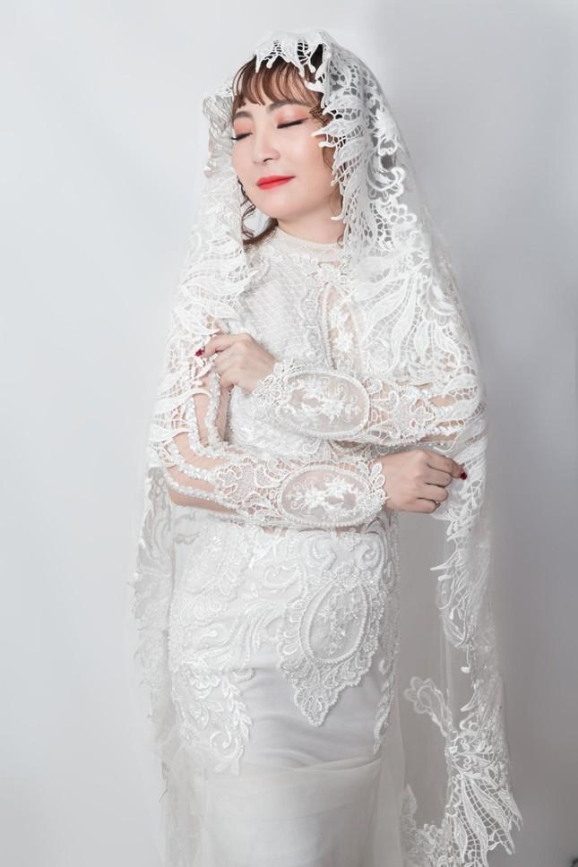 Xúng xính váy đẹp du xuân với Trần Ngọc Hằng Store ảnh 1