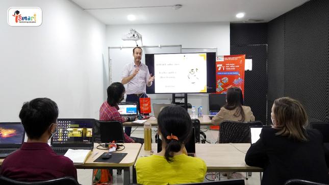 iSMART chuẩn bị nhiều phương án học trực tuyến tiếng Anh thông qua Toán và Khoa học cho học sinh ảnh 1