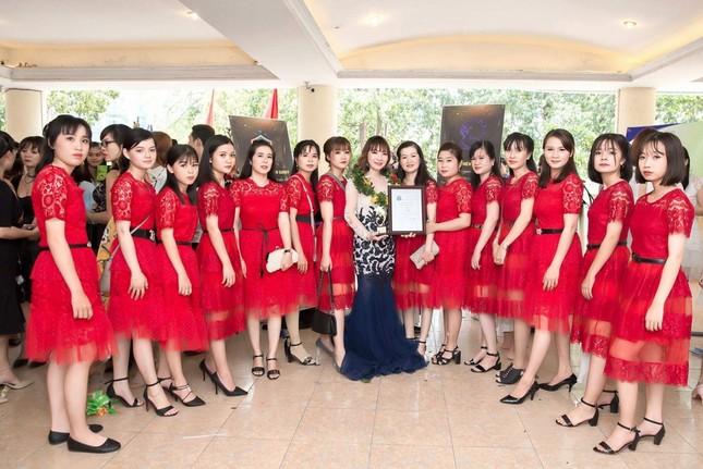 Xúng xính váy đẹp du xuân với Trần Ngọc Hằng Store ảnh 4