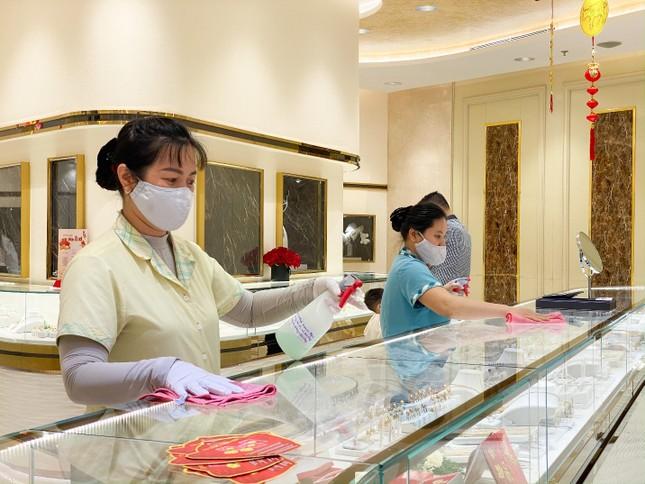 Hơn 300 ngàn sản phẩm của Doji đã đến tay khách hàng dịp thần tài 2021 ảnh 6