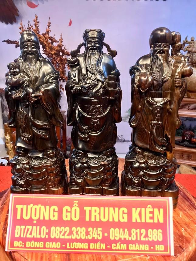 Tượng gỗ phong thủy tại cơ sở sản xuất Tượng gỗ Trung Kiên vừa mang giá trị trong đời sống và kinh doanh ảnh 3