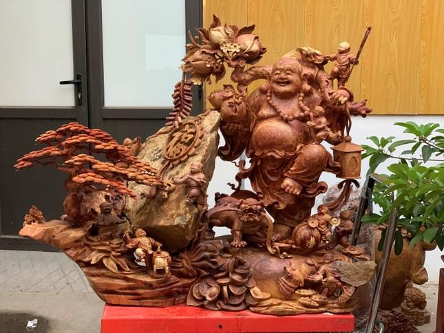 Tượng gỗ phong thủy tại cơ sở sản xuất Tượng gỗ Trung Kiên vừa mang giá trị trong đời sống và kinh doanh ảnh 5