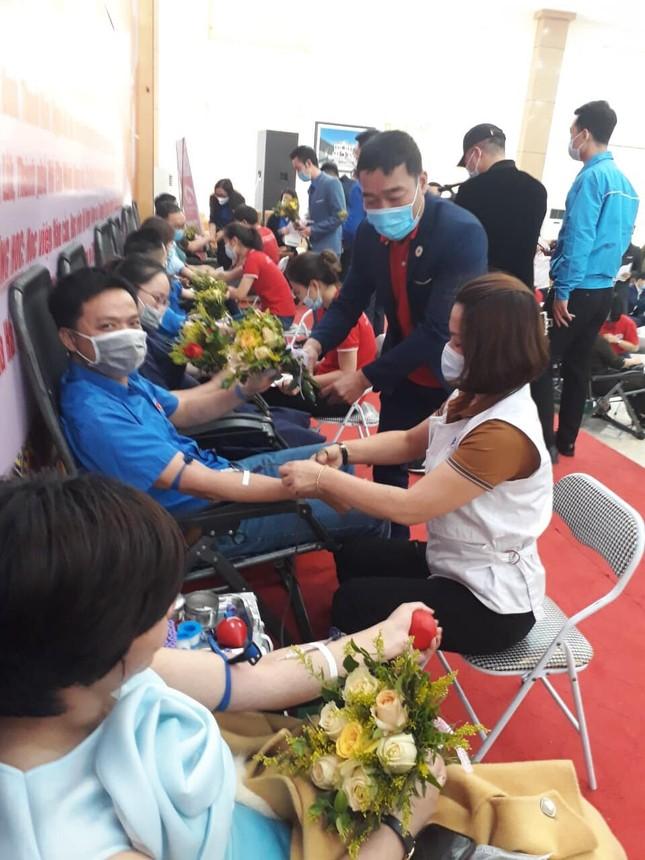 Chủ nhật Đỏ 2021 tại tỉnh Lào Cai vượt chỉ tiêu đề ra ban đầu ảnh 4