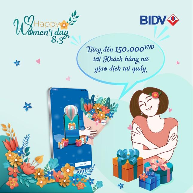 BIDV cảm ơn khách hàng nữ với hàng ngàn quà tặng ảnh 1