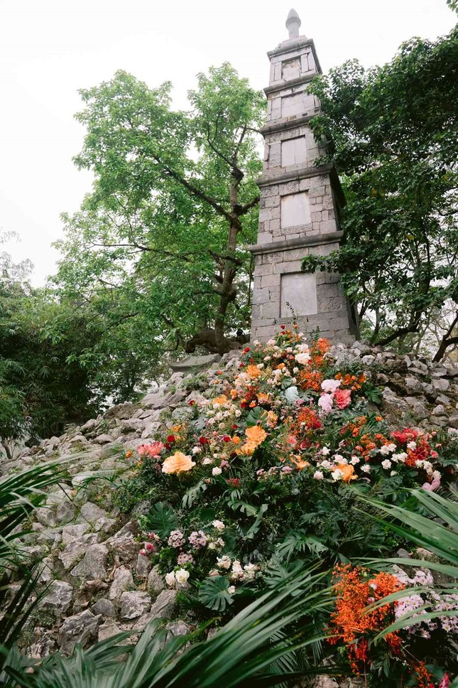 Hơn 100 Cột đèn 'nở hoa' giữa trung tâm Hà Nội ảnh 5