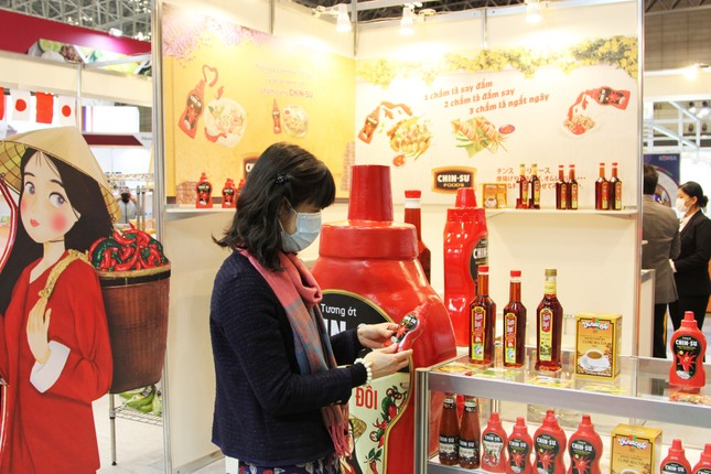 Tương ớt Chin-Su thu hút khách hàng tại triển lãm Thực phẩm và Đồ uống quốc tế Nhật Bản ảnh 4