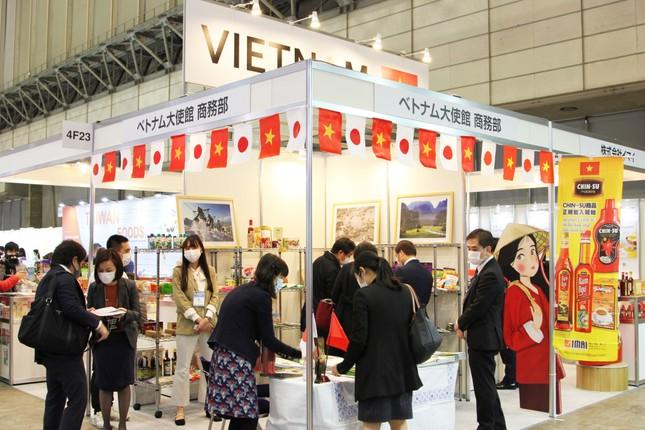 Tương ớt Chin-Su thu hút khách hàng tại triển lãm Thực phẩm và Đồ uống quốc tế Nhật Bản ảnh 3