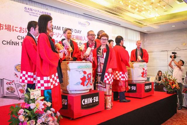 Tương ớt Chin-Su thu hút khách hàng tại triển lãm Thực phẩm và Đồ uống quốc tế Nhật Bản ảnh 2