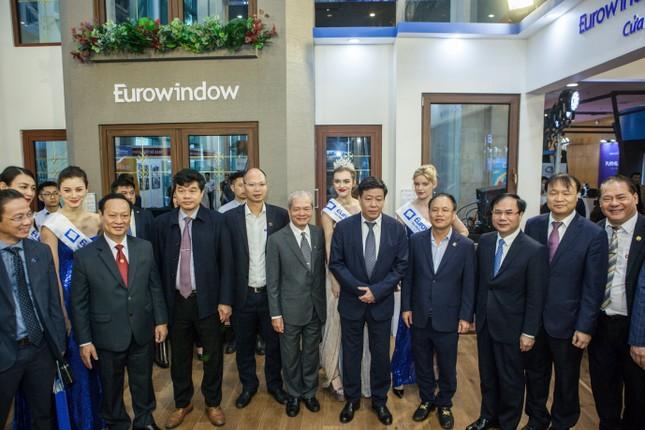 Sản phẩm nhôm có cầu Eurowindow ra mắt ấn tượng tại Vietbuild Hà Nội 2021 ảnh 1