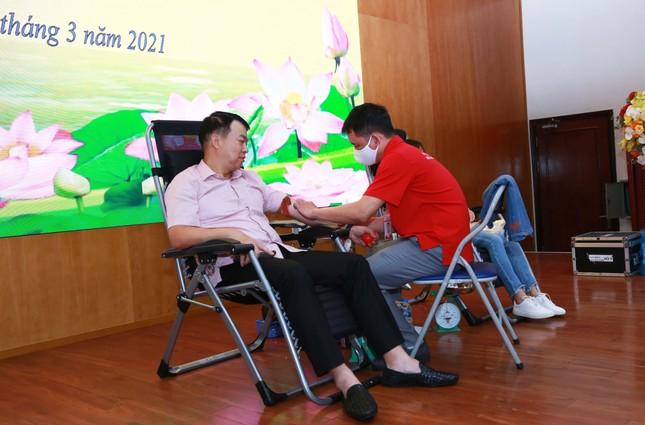Cán bộ, công chức Kho bạc Nhà nước hưởng ứng chương trình hiến máu tình nguyện ảnh 2