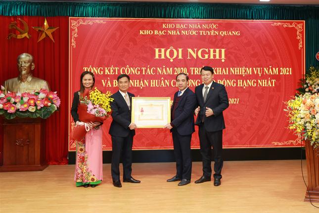 Kho bạc Nhà nước Tuyên Quang đón nhận Huân chương Lao động hạng Nhất ảnh 1