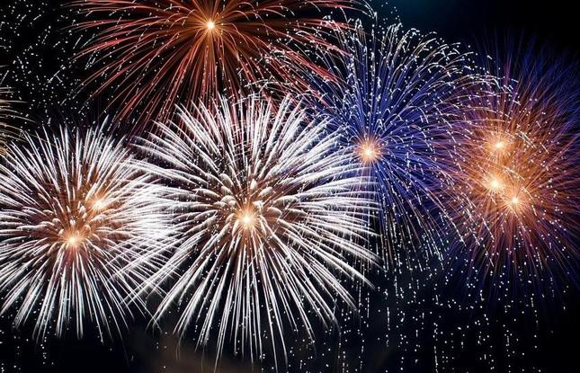 Chiêm ngưỡng pháo hoa rực rỡ và Lễ hội hoa quy mô tại FLC Sầm Sơn ảnh 1