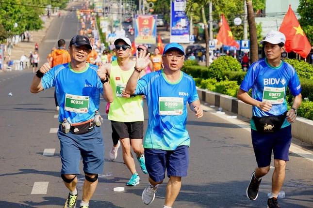 Màu áo BIDV nhuộm xanh giải vô địch quốc gia Marathon 2021 ảnh 2