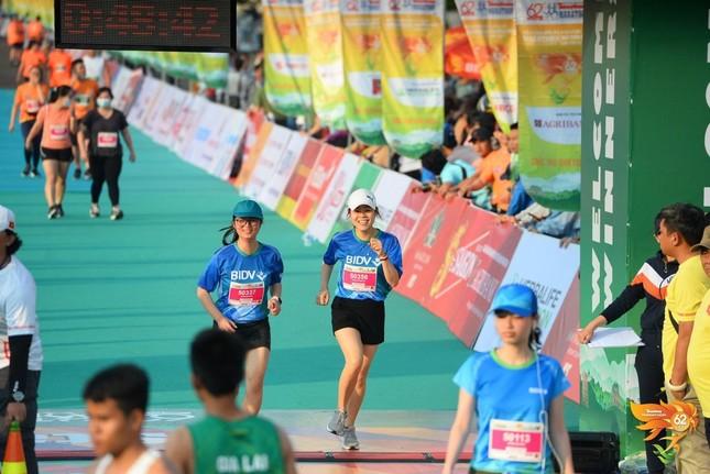 Màu áo BIDV nhuộm xanh giải vô địch quốc gia Marathon 2021 ảnh 10