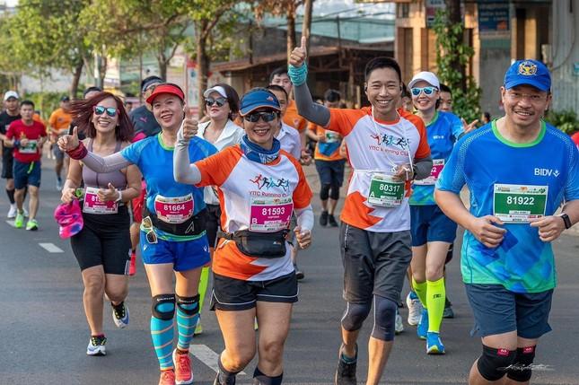 Màu áo BIDV nhuộm xanh giải vô địch quốc gia Marathon 2021 ảnh 11