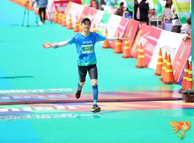 Màu áo BIDV nhuộm xanh giải vô địch quốc gia Marathon 2021 ảnh 14