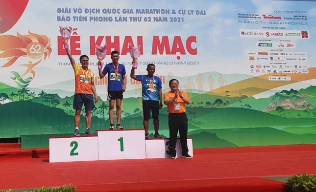 Màu áo BIDV nhuộm xanh giải vô địch quốc gia Marathon 2021 ảnh 15