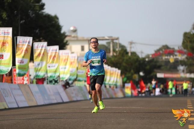 Màu áo BIDV nhuộm xanh giải vô địch quốc gia Marathon 2021 ảnh 16