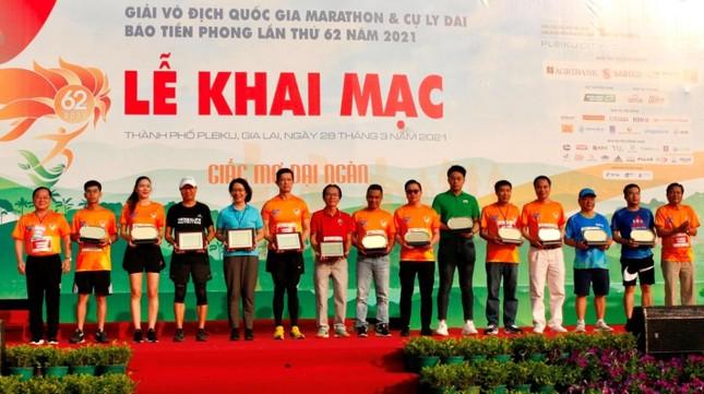 Màu áo BIDV nhuộm xanh giải vô địch quốc gia Marathon 2021 ảnh 19