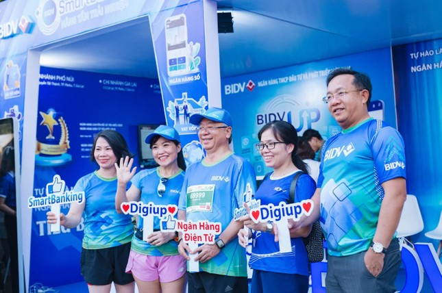 Màu áo BIDV nhuộm xanh giải vô địch quốc gia Marathon 2021 ảnh 20