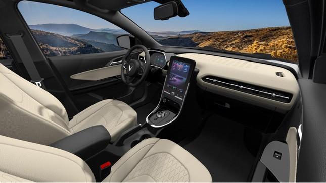 Chiến lược phủ thị trường siêu tốc của ô tô điện VinFast ảnh 3