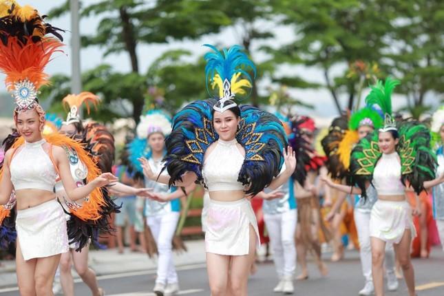 Chuỗi sự kiện lễ hội và pháo hoa dự kiến hút hàng vạn lượt khách tại Hạ Long dịp 30/4 ảnh 1
