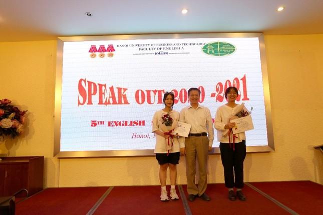 Khoa Tiếng Anh A tổ chức cuộc thi sinh viên nói tiếng Anh giỏi lần thứ 5  ảnh 3