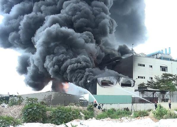 Liên tiếp xảy ra cháy nổ, Bình Dương lập đoàn kiểm tra PCCC đặc biệt ảnh 1