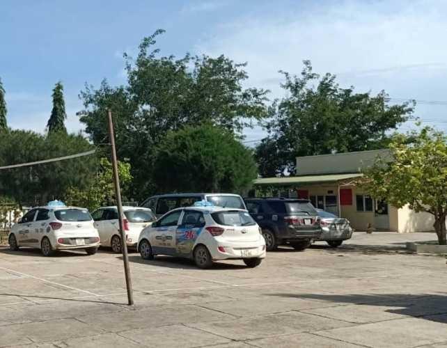 Bắt ổ cờ bạc đi toàn ô tô, sát phạt giữa đèo ở Bình Thuận ảnh 2