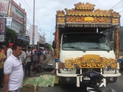 Xe tang cán chết nam công nhân trên đường đến công ty ảnh 1