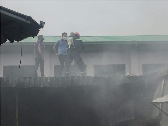Cháy lớn tại công ty sản xuất giày ở Bình Dương ảnh 3