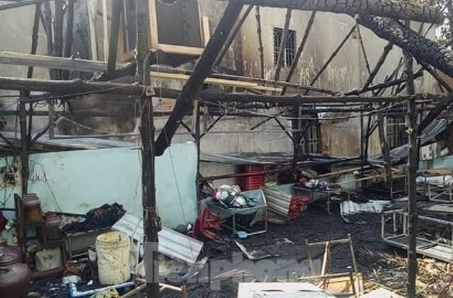 6 người đang ngủ suýt bị thiêu sống trong 'biển lửa' ảnh 5