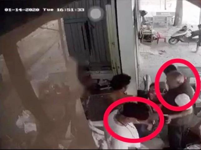 Người phụ nữ bị đạp ngã, cướp xe máy giữa ban ngày ảnh 2