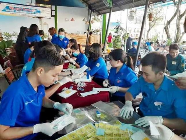 Tuổi trẻ Bình Dương sáng tạo giúp dân chống dịch Covid-19 ảnh 2
