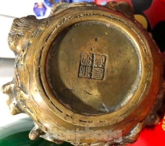Đào móng làm nhà ở Bình Dương, phát hiện nhiều tượng đồng kỳ lạ ảnh 5