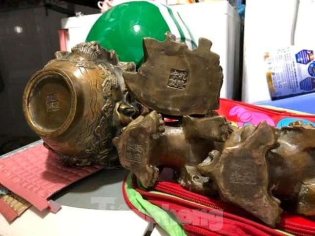 Đào móng làm nhà ở Bình Dương, phát hiện nhiều tượng đồng kỳ lạ ảnh 3