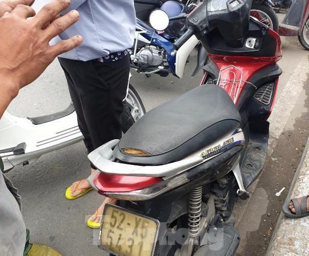Nam thanh niên để lại xe máy, nhảy xuống sông Sài Gòn mất tích ảnh 1